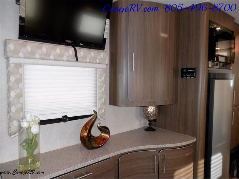 2016 Renegade RV Villagio LE 25HAB Slide-Out Full Body Paint Merced - Photo 12 - Thousand Oaks, CA 91360
