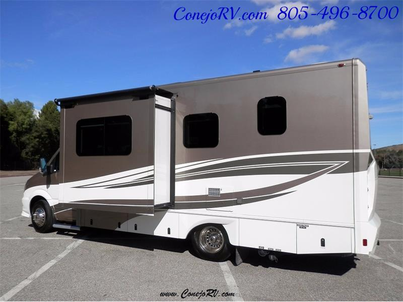 2016 Renegade RV Villagio LE 25HAB Slide-Out Full Body Paint Merced - Photo 2 - Thousand Oaks, CA 91360
