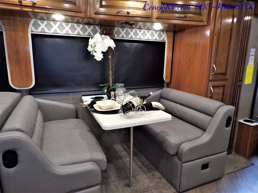 2018 Fleetwood Bounder LX 33C 2-Slide Big Chassis King Bed - Photo 11 - Thousand Oaks, CA 91360