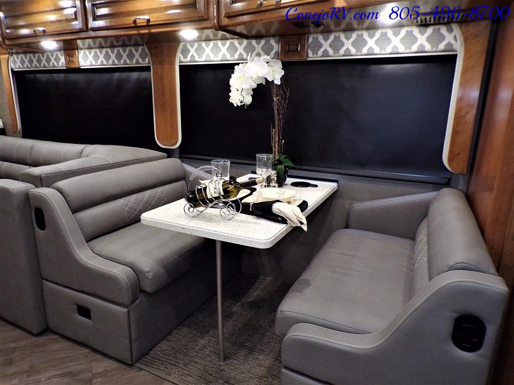 2018 Fleetwood Bounder LX 33C 2-Slide Big Chassis King Bed - Photo 10 - Thousand Oaks, CA 91360
