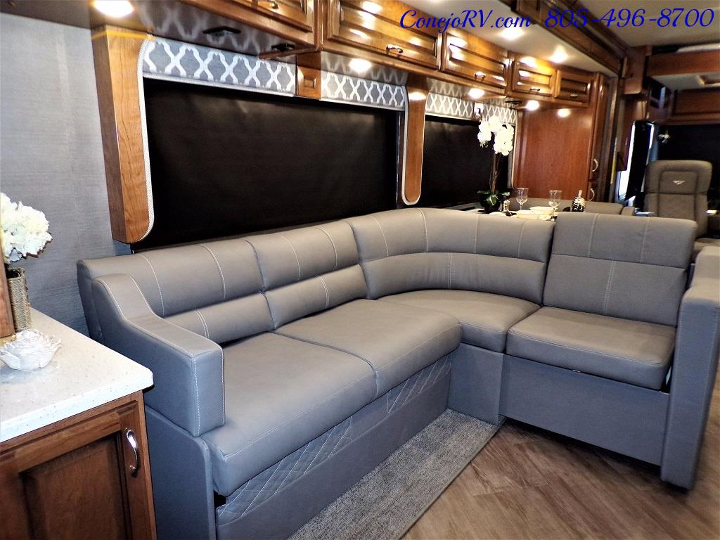 2018 Fleetwood Bounder LX 33C 2-Slide Big Chassis King Bed - Photo 15 - Thousand Oaks, CA 91360