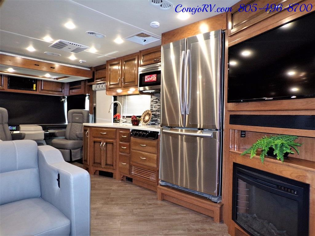 2018 Fleetwood Bounder LX 33C 2-Slide Big Chassis King Bed - Photo 32 - Thousand Oaks, CA 91360