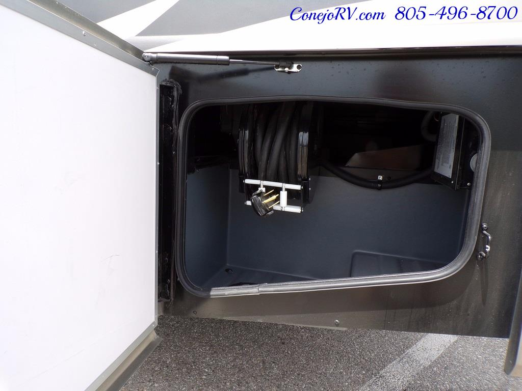 2018 Fleetwood Bounder LX 33C 2-Slide Big Chassis King Bed - Photo 45 - Thousand Oaks, CA 91360