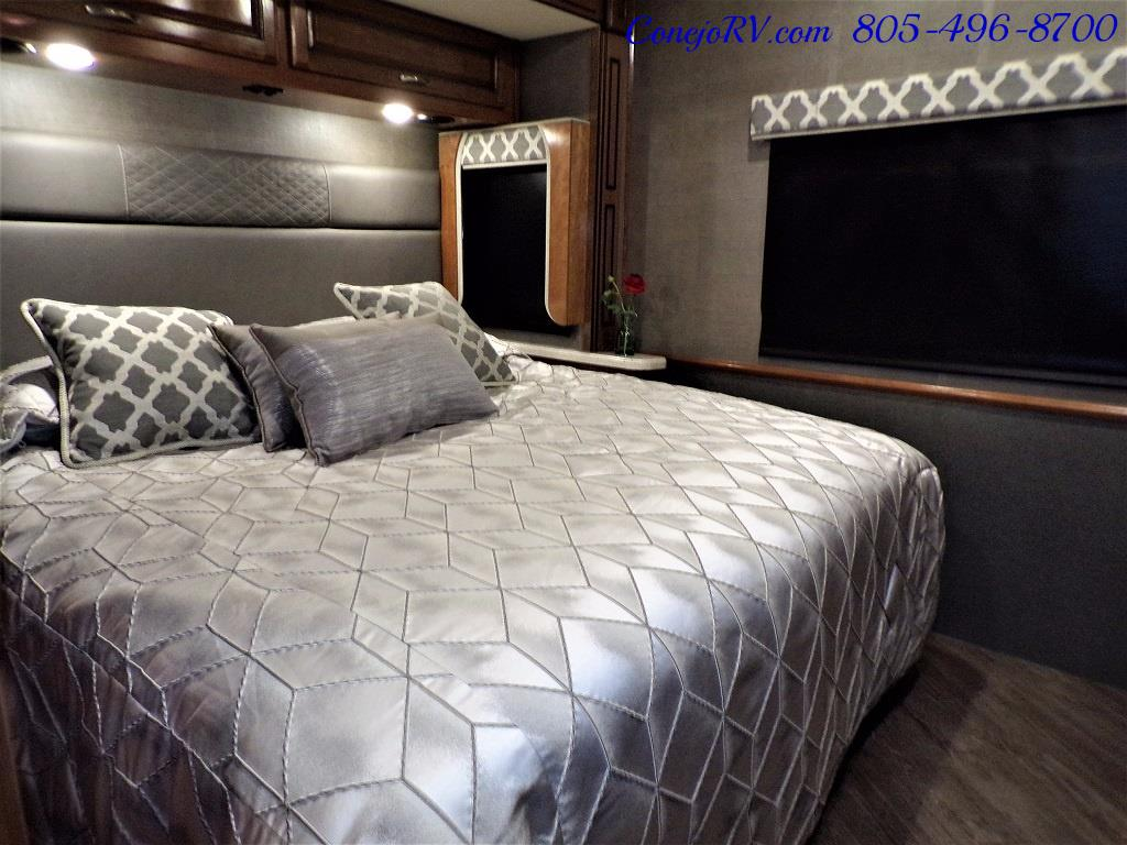 2018 Fleetwood Bounder LX 33C 2-Slide Big Chassis King Bed - Photo 25 - Thousand Oaks, CA 91360