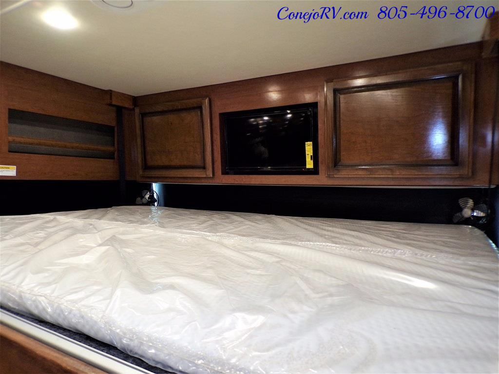 2018 Fleetwood Bounder LX 33C 2-Slide Big Chassis King Bed - Photo 35 - Thousand Oaks, CA 91360