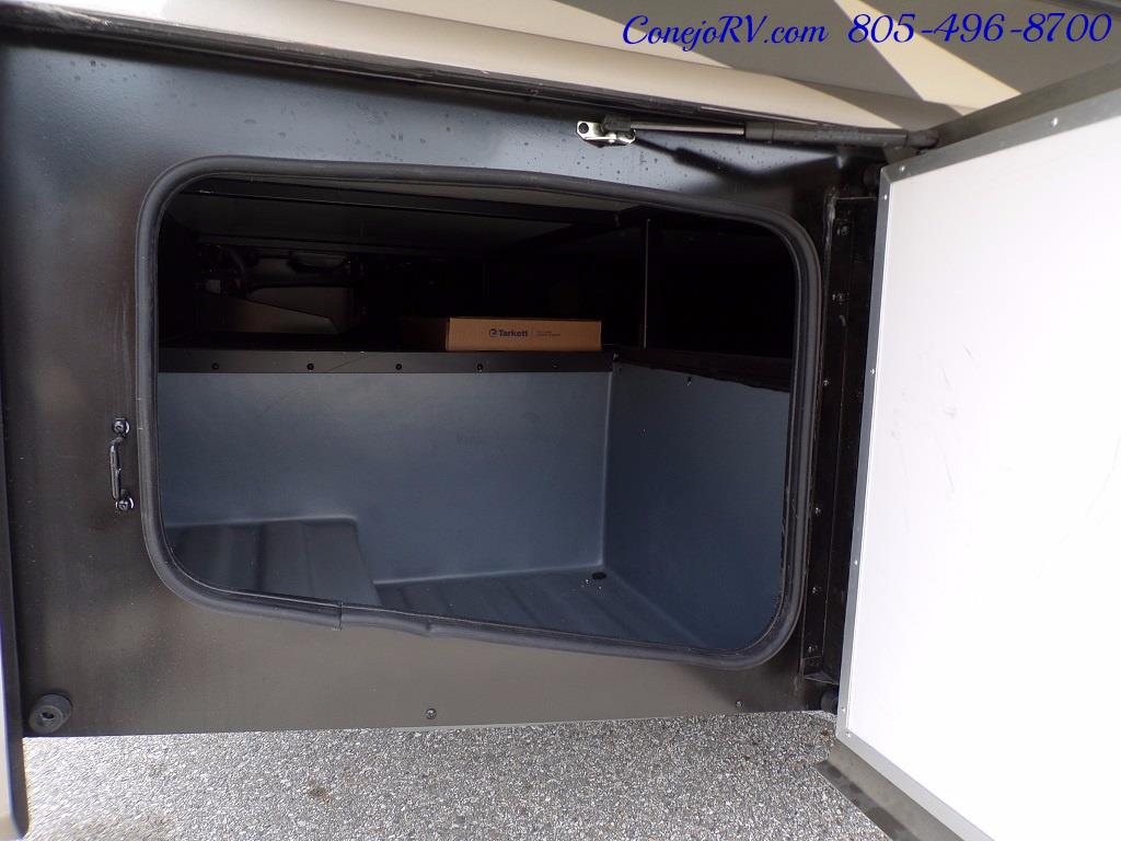 2018 Fleetwood Bounder LX 33C 2-Slide Big Chassis King Bed - Photo 43 - Thousand Oaks, CA 91360