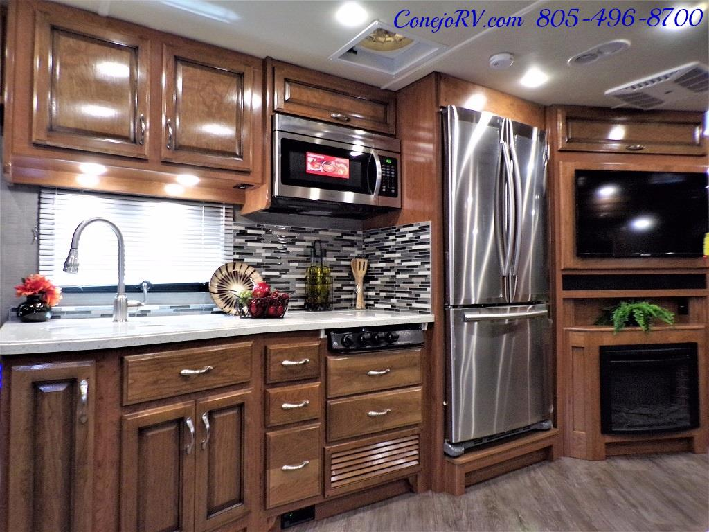 2018 Fleetwood Bounder LX 33C 2-Slide Big Chassis King Bed - Photo 18 - Thousand Oaks, CA 91360