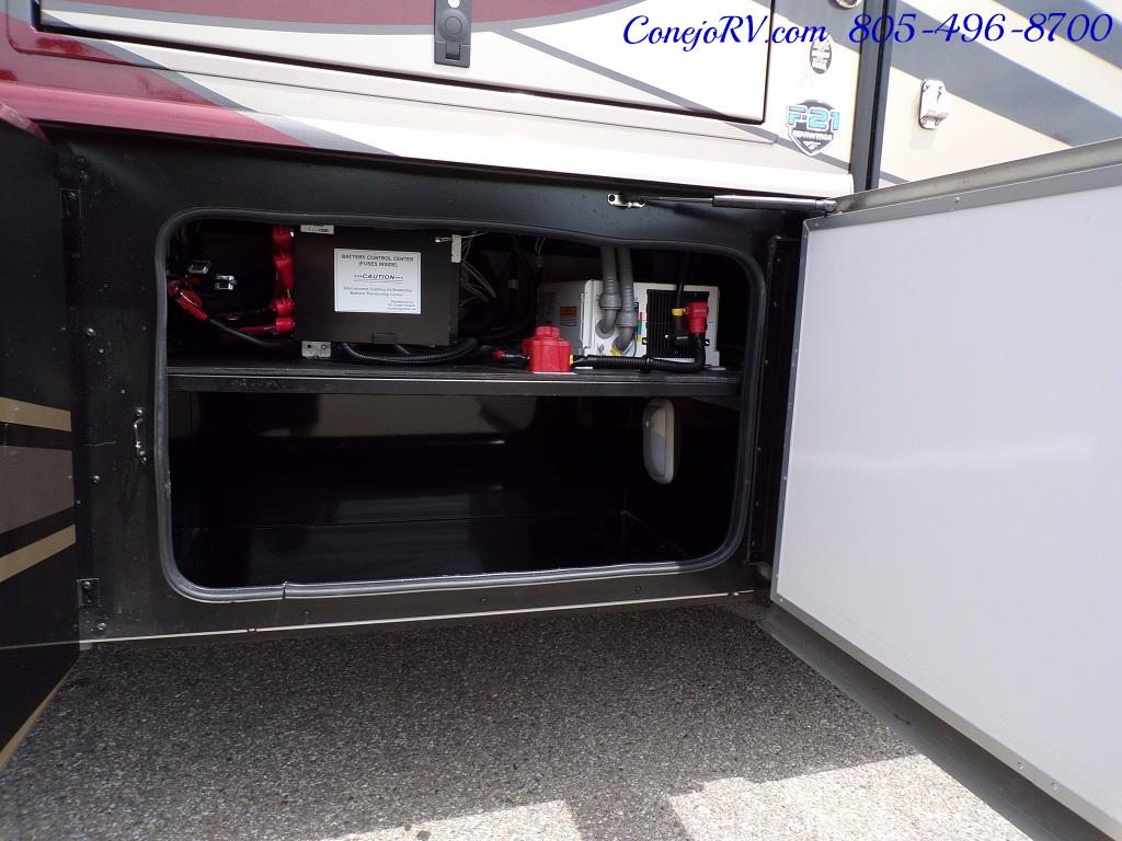 2018 Fleetwood Bounder LX 33C 2-Slide Big Chassis King Bed - Photo 38 - Thousand Oaks, CA 91360