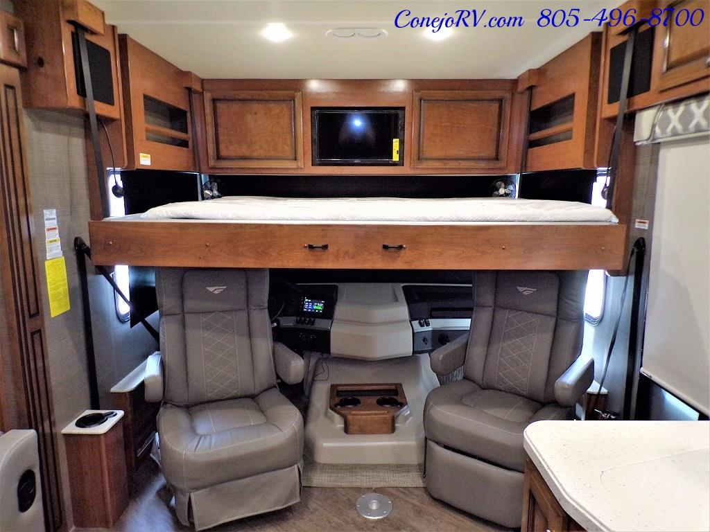 2018 Fleetwood Bounder LX 33C 2-Slide Big Chassis King Bed - Photo 33 - Thousand Oaks, CA 91360