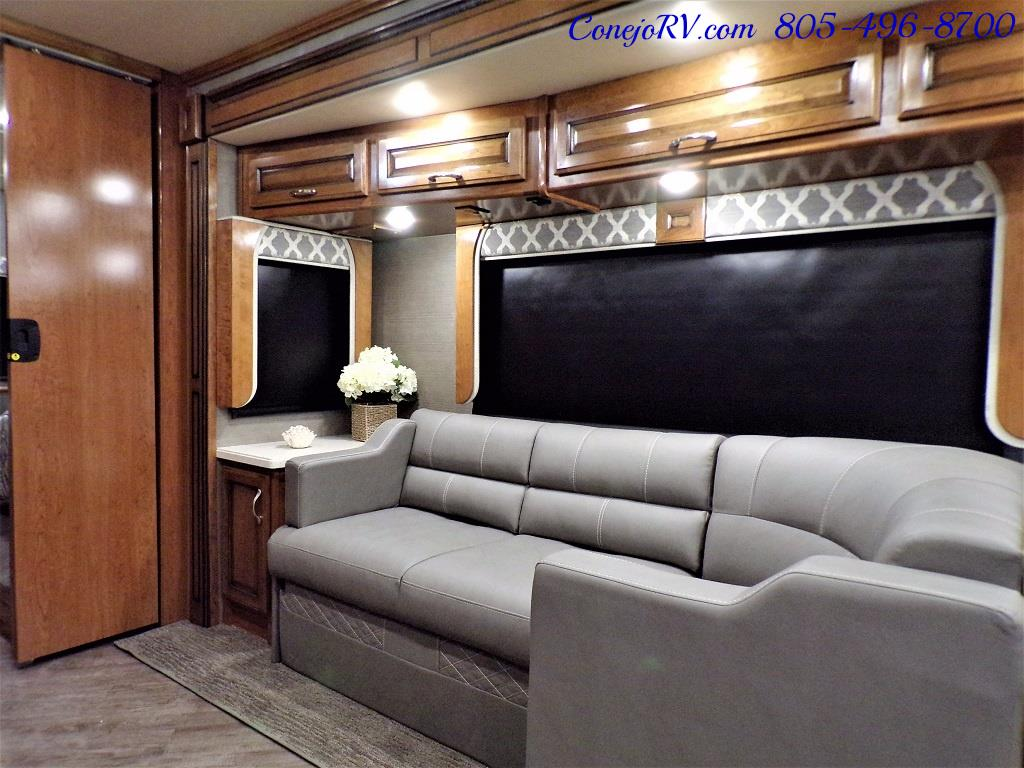 2018 Fleetwood Bounder LX 33C 2-Slide Big Chassis King Bed - Photo 13 - Thousand Oaks, CA 91360