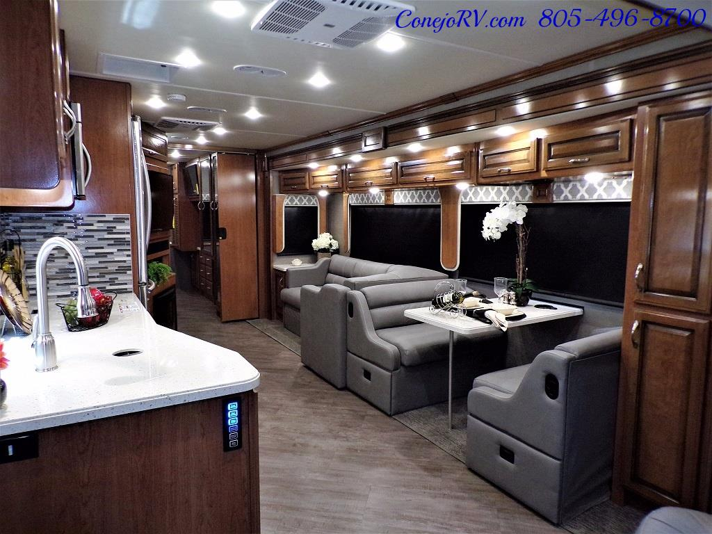 2018 Fleetwood Bounder LX 33C 2-Slide Big Chassis King Bed - Photo 8 - Thousand Oaks, CA 91360