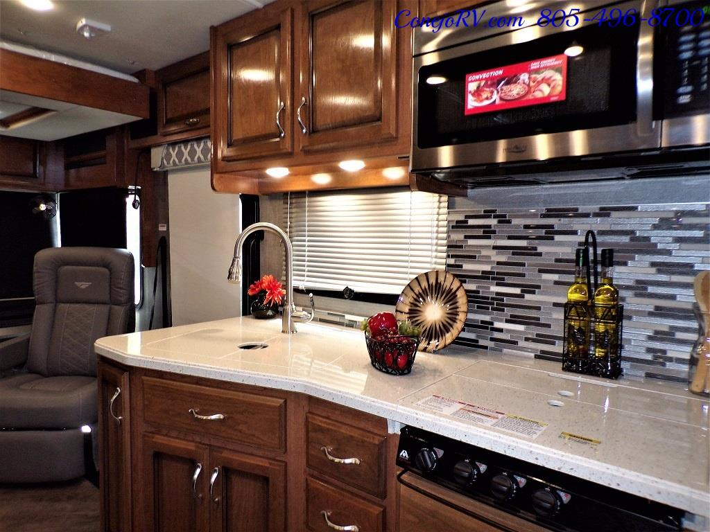 2018 Fleetwood Bounder LX 33C 2-Slide Big Chassis King Bed - Photo 19 - Thousand Oaks, CA 91360