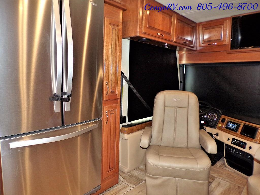 2017 Fleetwood Discovery LXE 40G FULL WALL SLIDE - Photo 12 - Thousand Oaks, CA 91360