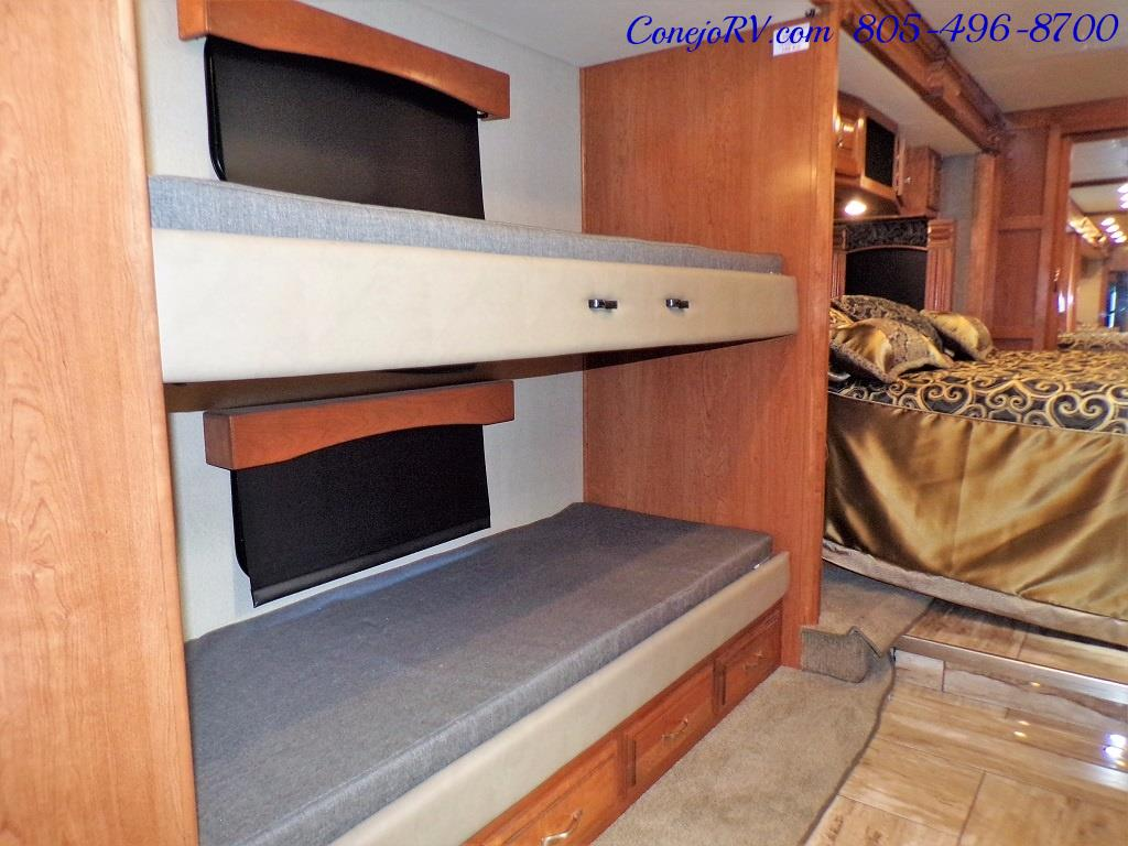 2017 Fleetwood Discovery LXE 40G FULL WALL SLIDE - Photo 22 - Thousand Oaks, CA 91360