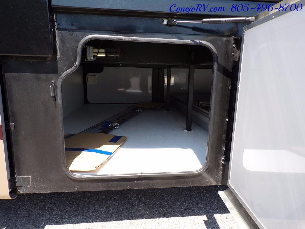 2017 Fleetwood Discovery LXE 40G FULL WALL SLIDE - Photo 38 - Thousand Oaks, CA 91360