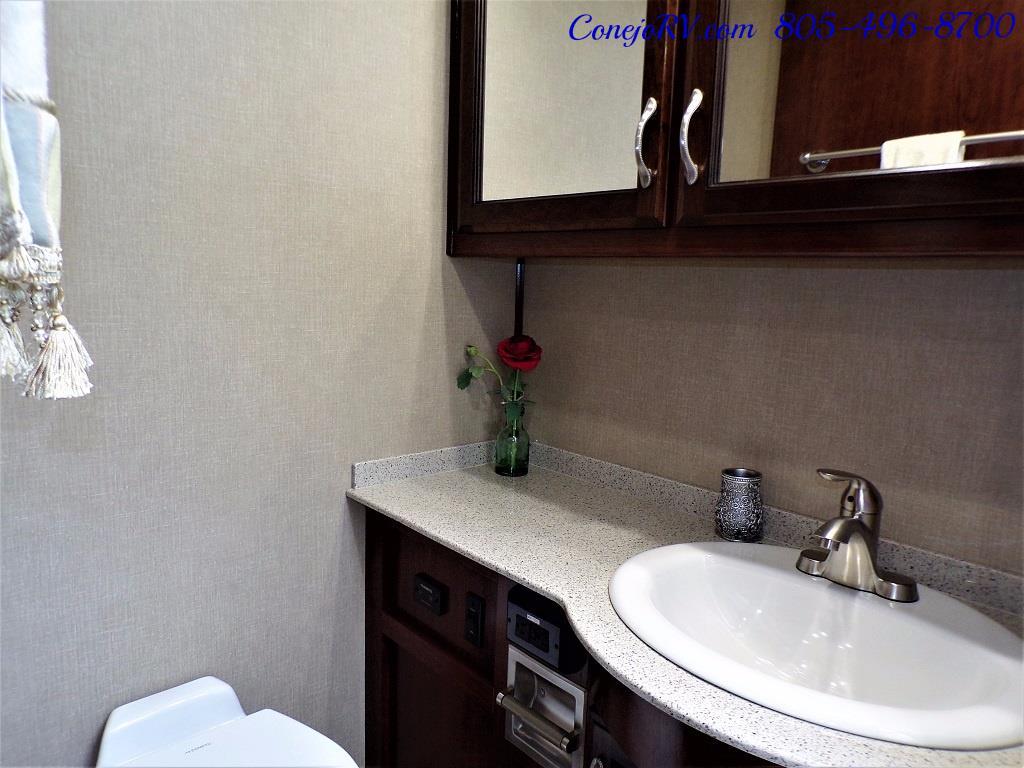 2018 Fleetwood Bounder LX 35K Bath and Half King Bed - Photo 26 - Thousand Oaks, CA 91360