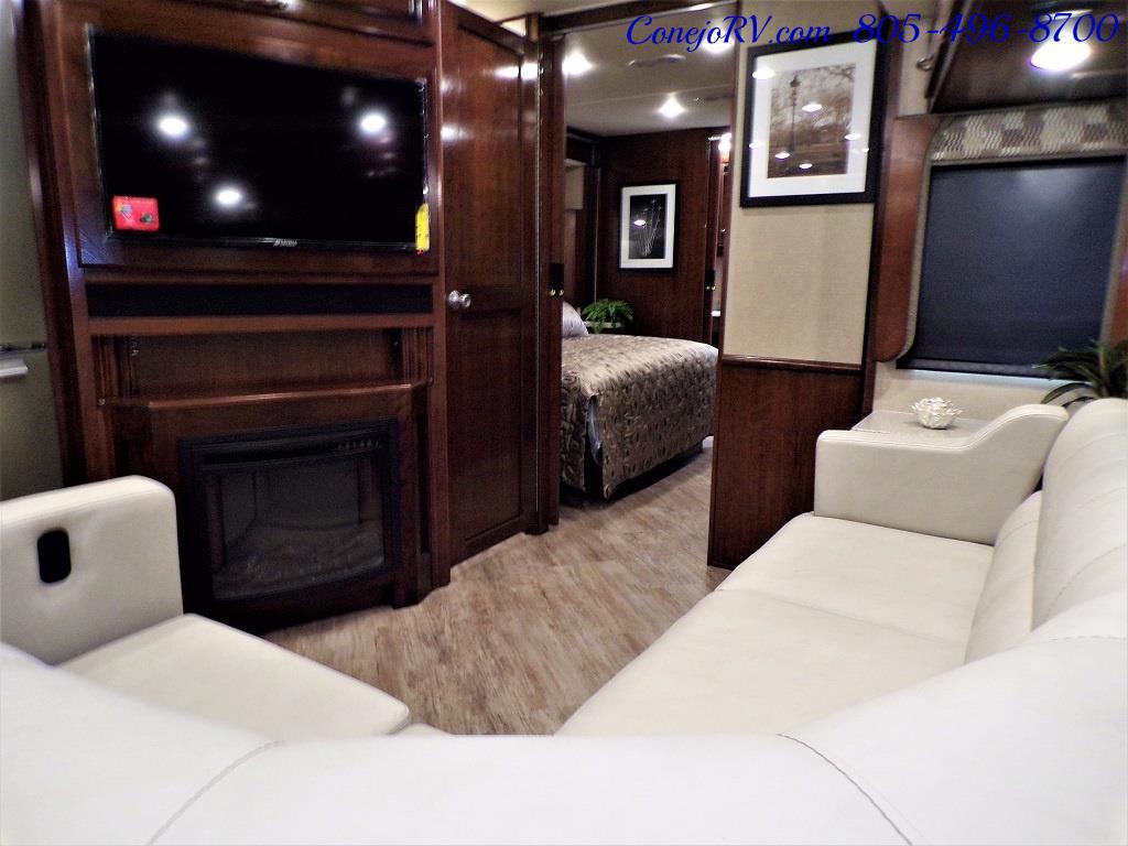 2018 Fleetwood Bounder LX 35K Bath and Half King Bed - Photo 16 - Thousand Oaks, CA 91360
