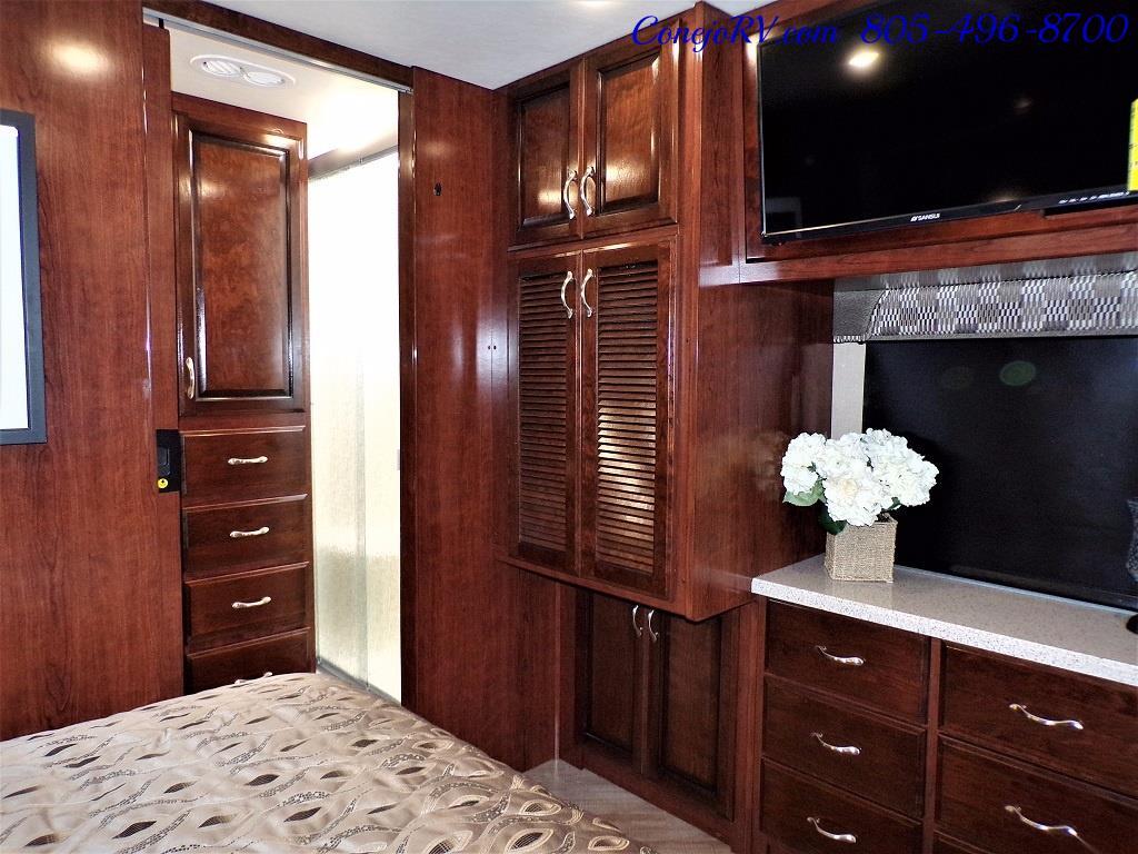 2018 Fleetwood Bounder LX 35K Bath and Half King Bed - Photo 23 - Thousand Oaks, CA 91360