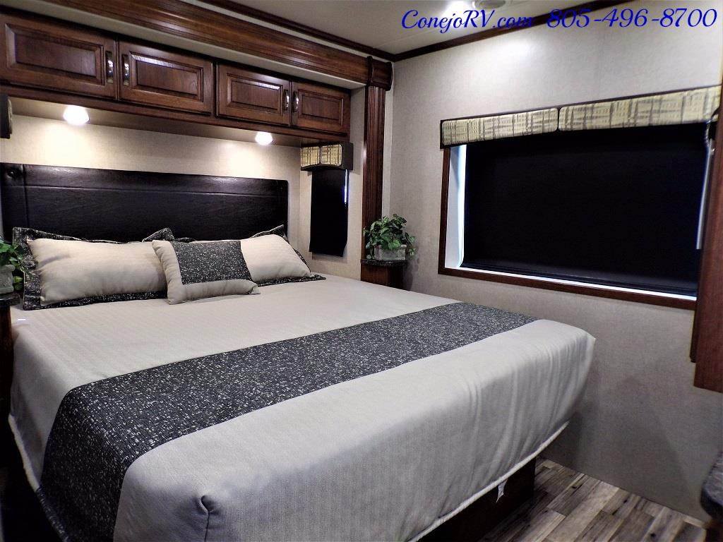 2018 Dynamax Isata 5 Series 36DS 4x4 Super-C King Bed DIESEL - Photo 21 - Thousand Oaks, CA 91360