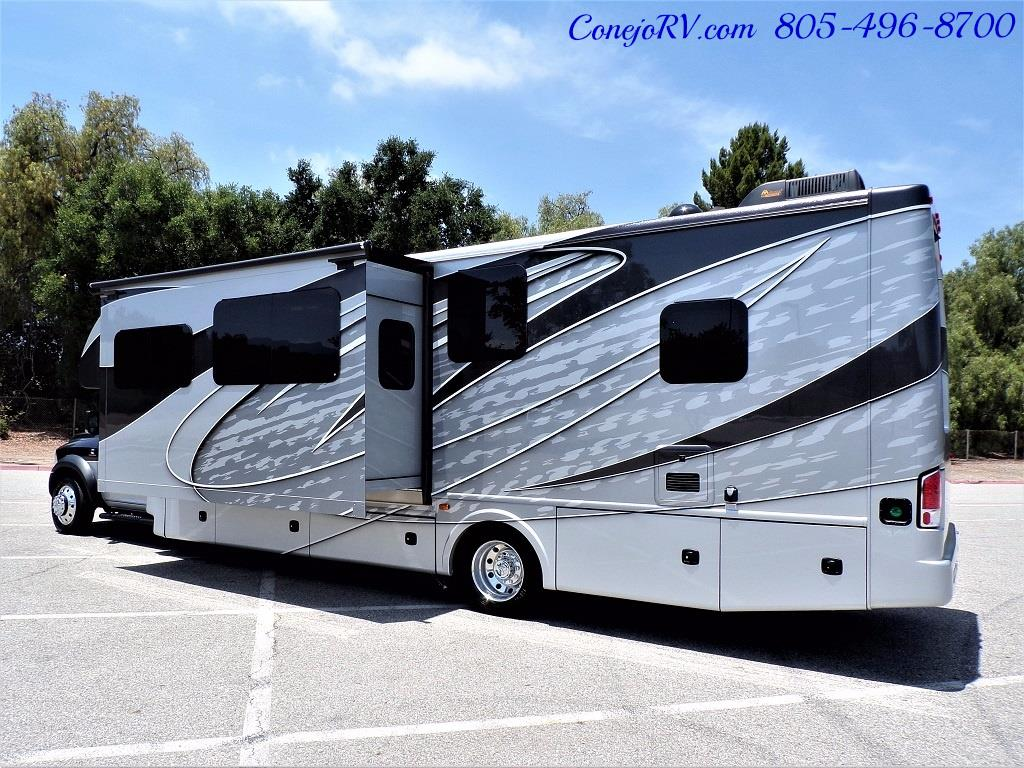 2018 Dynamax Isata 5 Series 36DS 4x4 Super-C King Bed DIESEL - Photo 4 - Thousand Oaks, CA 91360