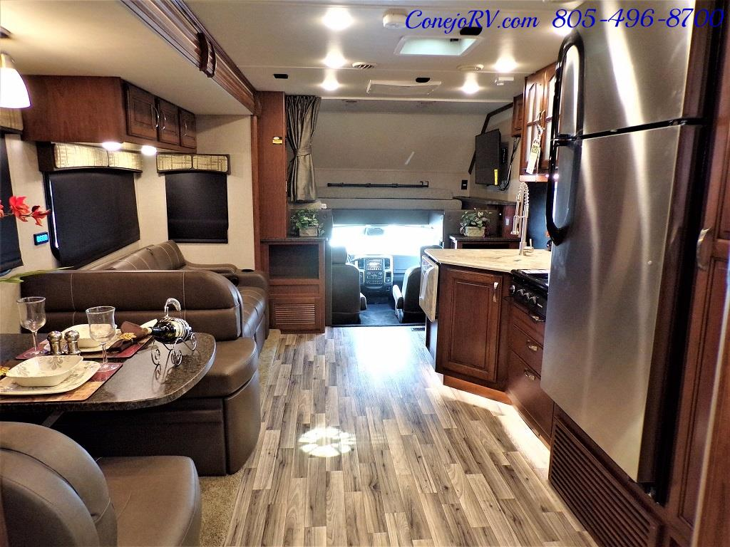 2018 Dynamax Isata 5 Series 36DS 4x4 Super-C King Bed DIESEL - Photo 25 - Thousand Oaks, CA 91360