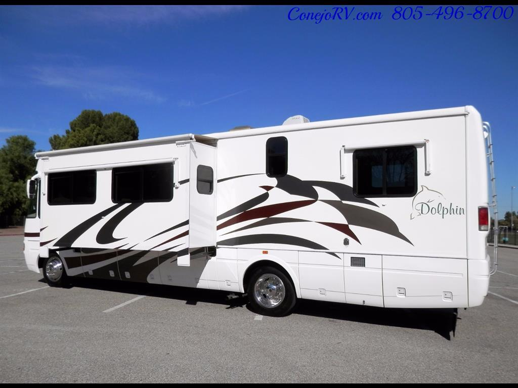 2005 National Dolphin 5340 2-Slide Big Chassis 30k Miles - Photo 2 - Thousand Oaks, CA 91360