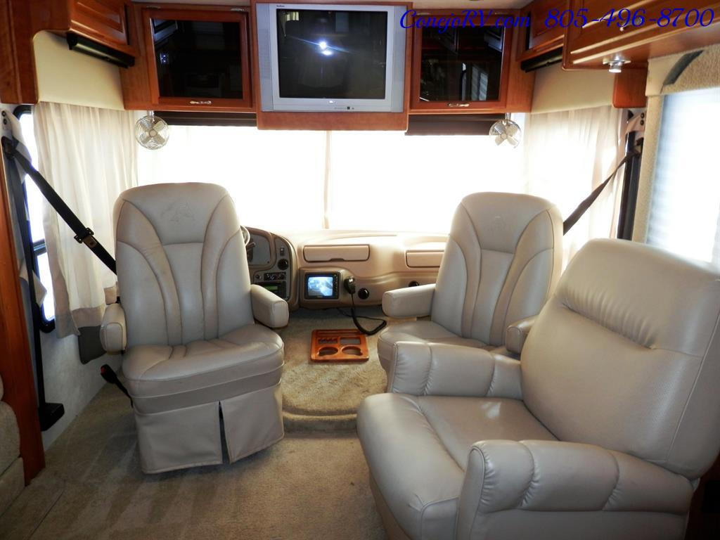 2005 National Dolphin 5340 2-Slide Big Chassis 30k Miles - Photo 25 - Thousand Oaks, CA 91360