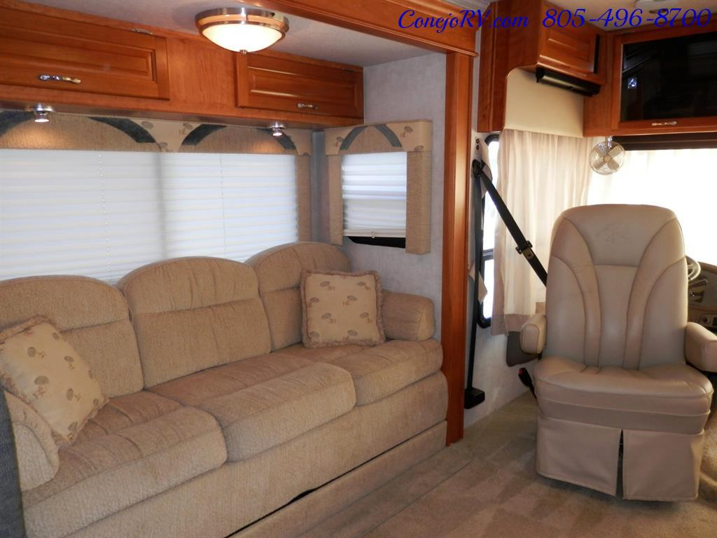 2005 National Dolphin 5340 2-Slide Big Chassis 30k Miles - Photo 9 - Thousand Oaks, CA 91360