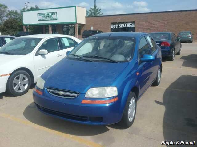2004 Chevrolet Aveo Special Value - Photo 1 - Davenport, IA 52802