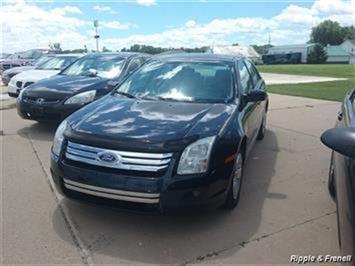 2008 Ford Fusion V6 SE - Photo 1 - Davenport, IA 52802