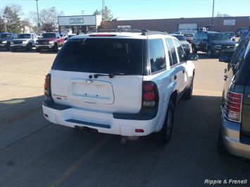 2006 Chevrolet Trailblazer LS LS 4dr SUV - Photo 3 - Davenport, IA 52802