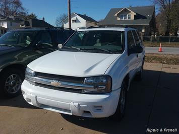 2006 Chevrolet Trailblazer LS LS 4dr SUV - Photo 1 - Davenport, IA 52802