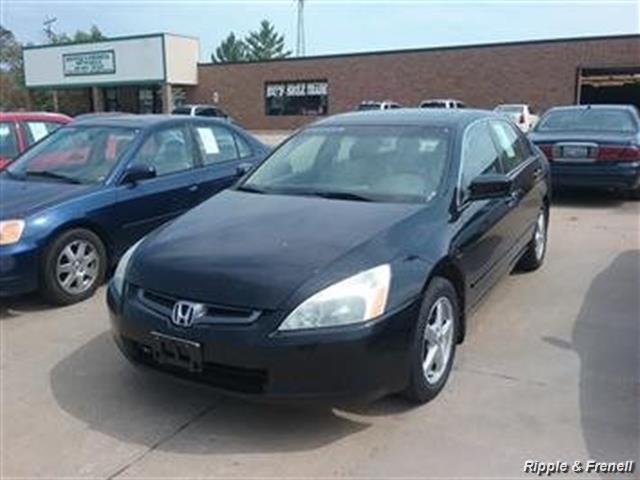 2005 Honda Accord EX w/Leather - Photo 1 - Davenport, IA 52802