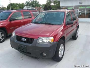 2005 Ford Escape XLT - Photo 1 - Davenport, IA 52802