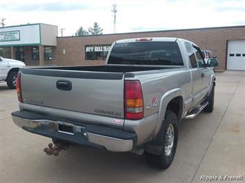 2000 Chevrolet Silverado 2500 3dr - Photo 3 - Davenport, IA 52802