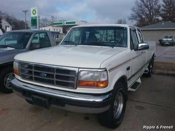 1996 Ford F-250 XLT - Photo 1 - Davenport, IA 52802