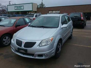 2005 Pontiac Vibe - Photo 1 - Davenport, IA 52802