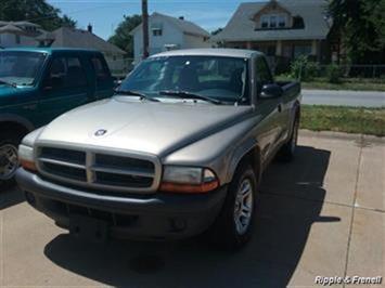 2003 Dodge Dakota 2dr Standard Cab Truck