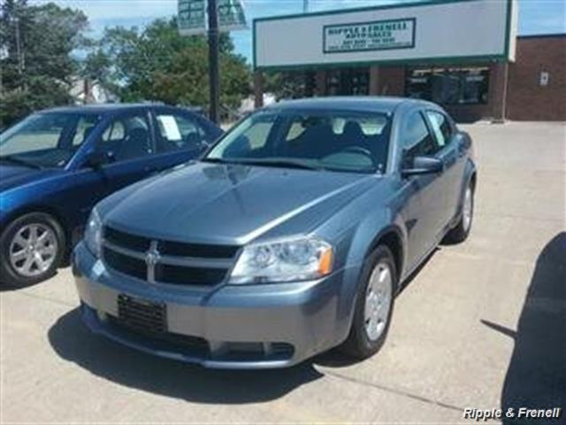 2008 Dodge Avenger SE - Photo 1 - Davenport, IA 52802