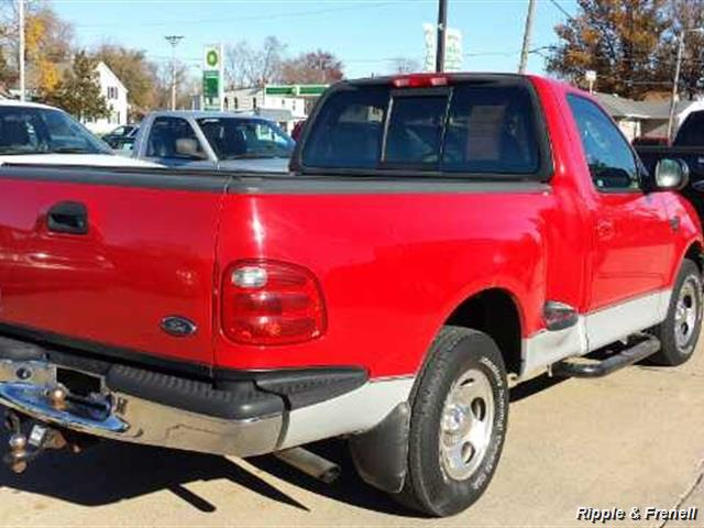 2002 Ford F-150 XLT - Photo 5 - Davenport, IA 52802