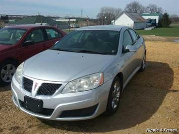 2010 Pontiac G6 - Photo 1 - Davenport, IA 52802