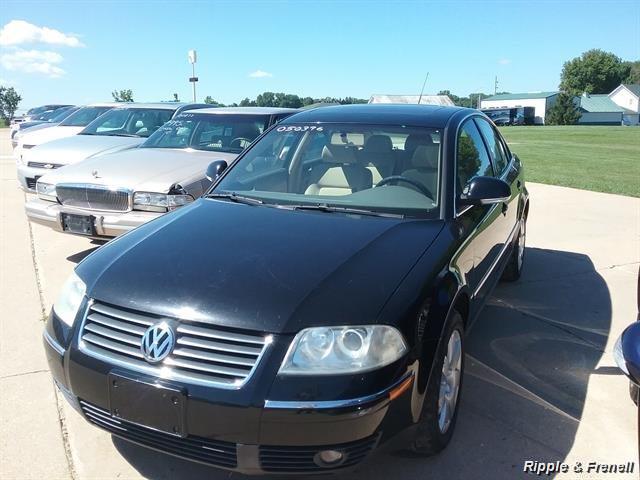 2005 Volkswagen Passat GLS 1.8T - Photo 1 - Davenport, IA 52802