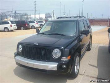 2008 Jeep Patriot Limited - Photo 1 - Davenport, IA 52802