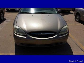 2003 Ford Taurus SE Sedan