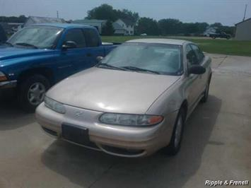 2003 Oldsmobile Alero GL1 - Photo 1 - Davenport, IA 52802