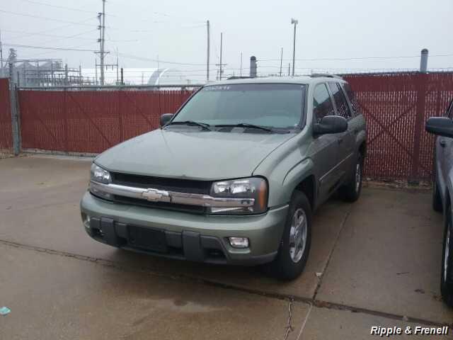 2003 Chevrolet Trailblazer LT - Photo 1 - Davenport, IA 52802