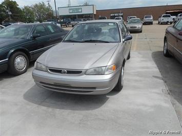 1998 Toyota Corolla LE - Photo 1 - Davenport, IA 52802