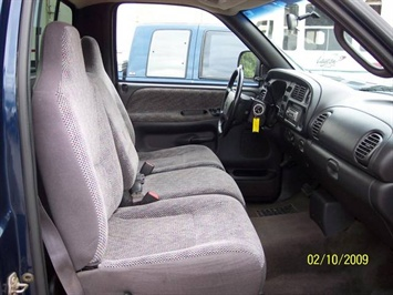 2001 Dodge Ram 1500 SLT - Photo 14 - Angola, IN 46703