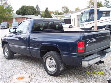 2001 Dodge Ram 1500 SLT - Photo 6 - Angola, IN 46703