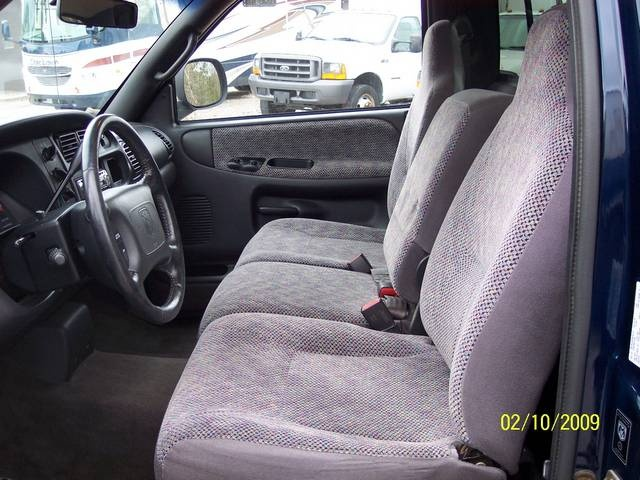 2001 Dodge Ram 1500 SLT - Photo 12 - Angola, IN 46703